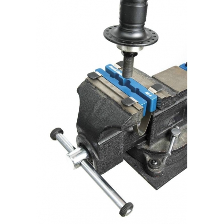 Heavy Duty Axle And Pedal Vice Av 4 By Park Tool