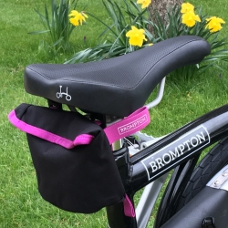 Brompton saddle pouch - Black (with Berry Crush trim)