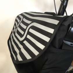 Brompton S bag - Handlebars - side view