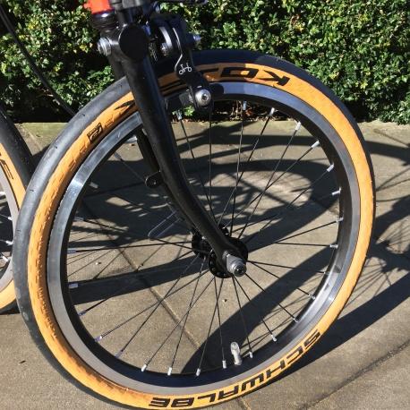 Brompton Schwalbe Kojak 16 inch tan wall tyre - on CHPT3 Brompton