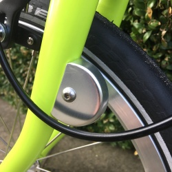 Brompton cable fender disc on bike