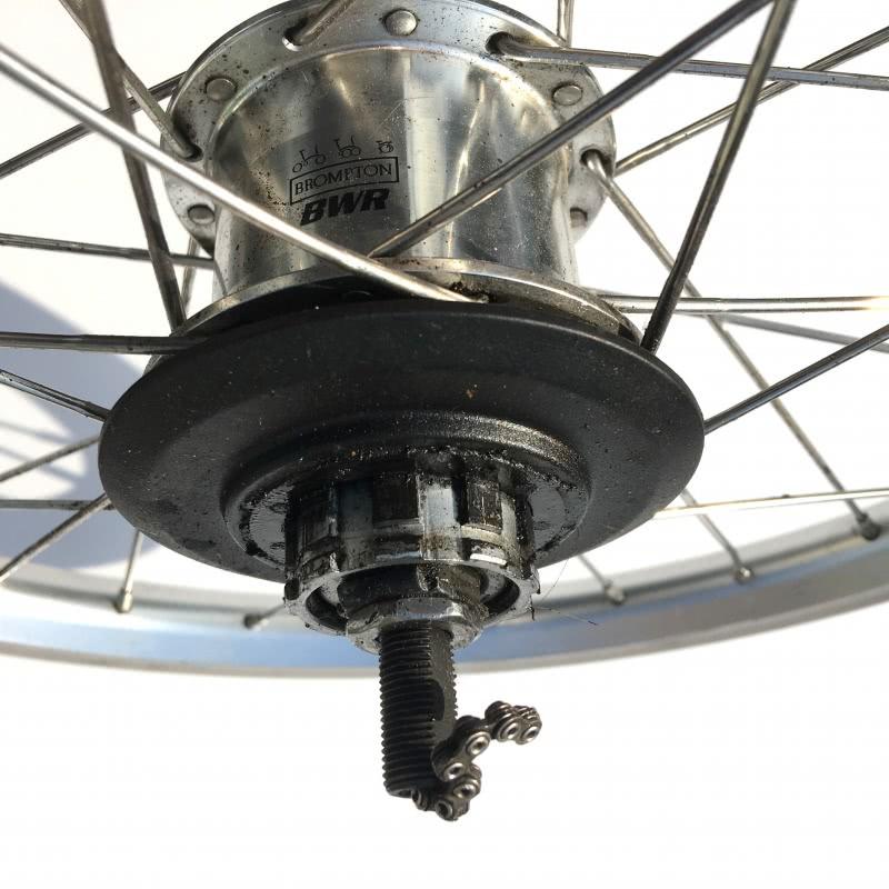 Brompton BWR rear wheel showing hub markings